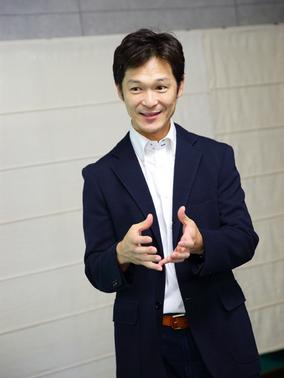 hasegawa_284x378.jpg